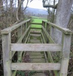 Bridge but no footpath signs
